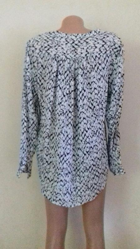 Вискозная блуза -рубашка с принтом - Фото 3
