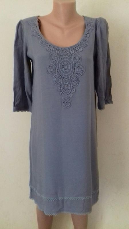Распродажа!!!вискозное платье прямого кроя с кружевом