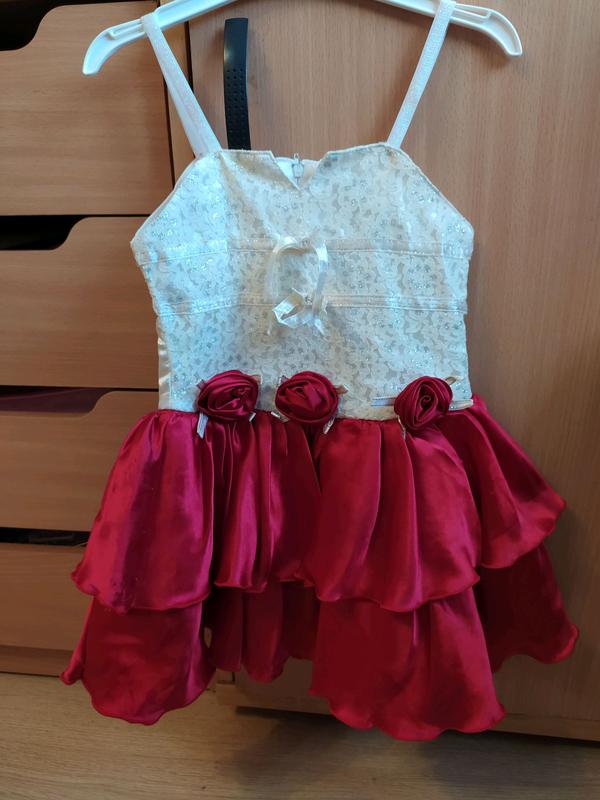 Шикарное платье девочке