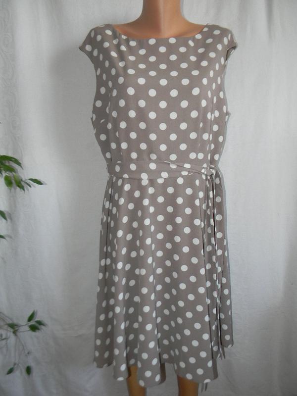 Элегантное платье в горошек wallis