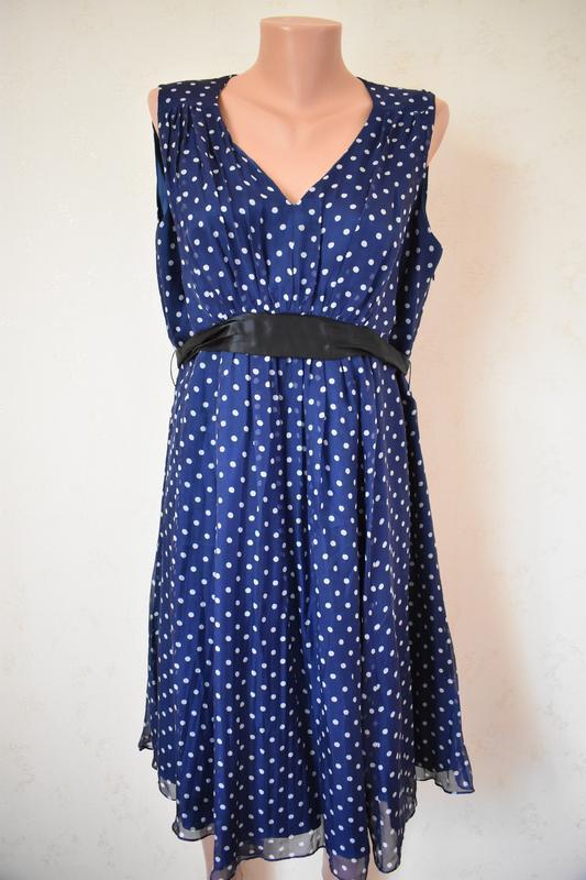 Красивое шелковое платье в горошек большого размера