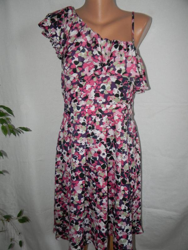 Новое платье с оборкой wallis