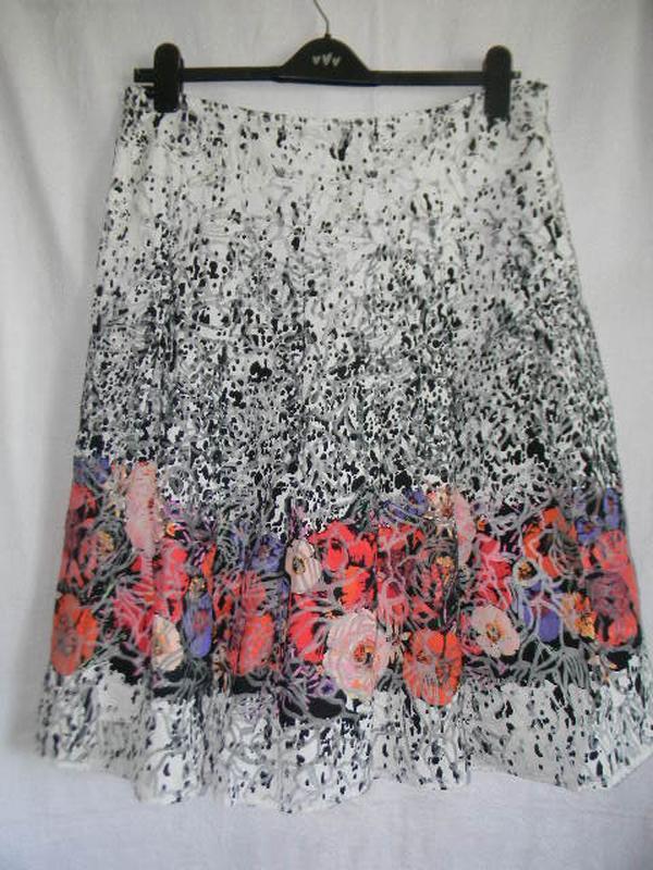 Шикарня летня юбка с нежным принтом per una