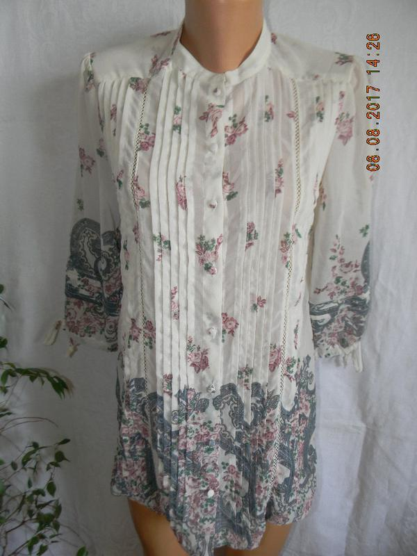 Блуза с нежным принтом