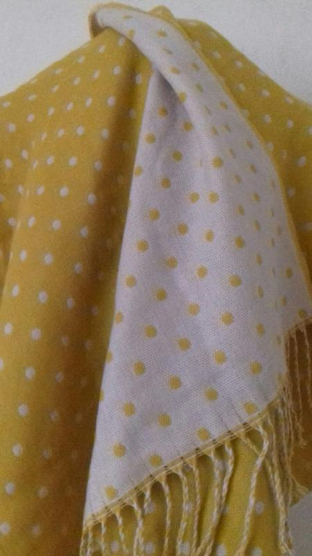 Новый красивый шарф,палантин betty jackson