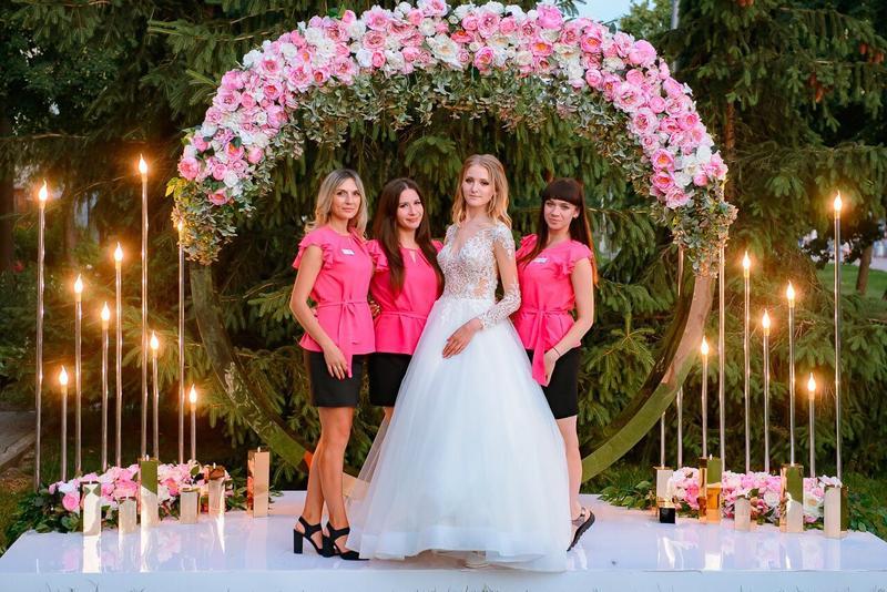 Свадебное оформление зала, дизайн и украшение выездной церемонии