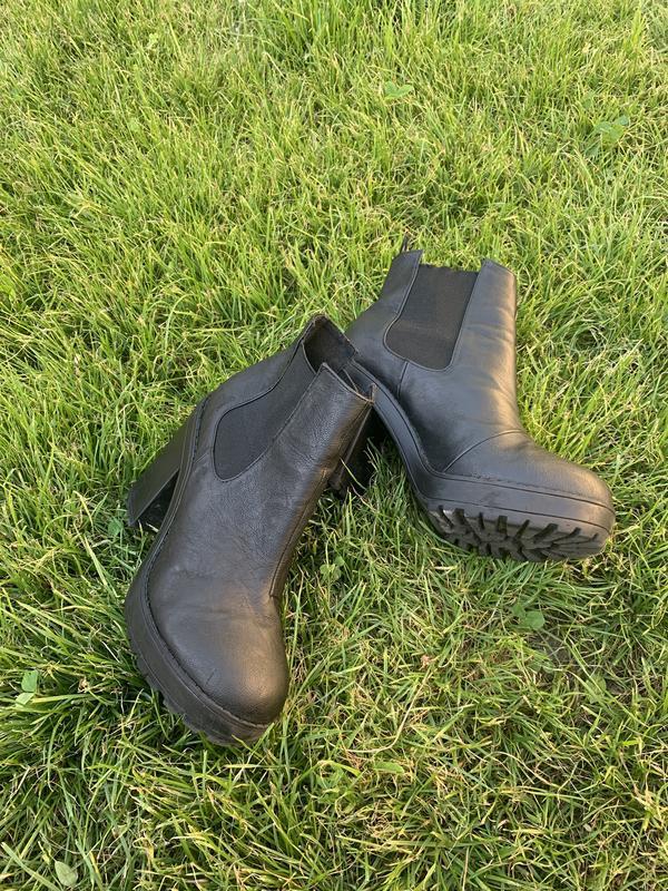 Туфли бательены на тракторной подошве