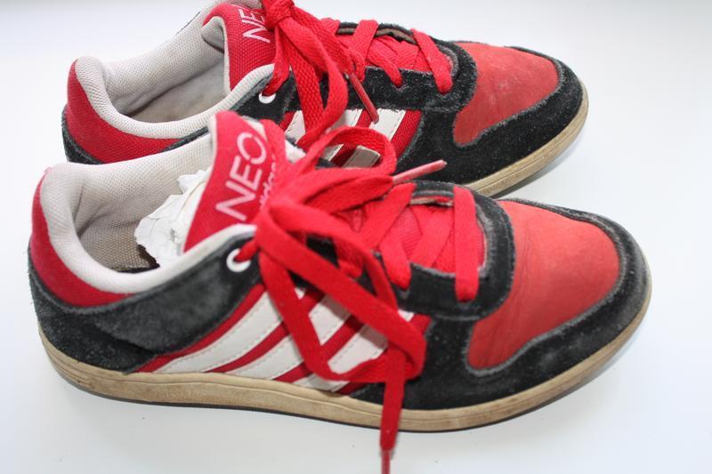 Кроссовки ф.adidas  р-32 еар(13 1/2) в хорошем состоянии