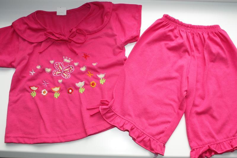 Летний комплект футболка +шорты-бриджы для девочки 3/4года