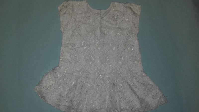 Шикарное гипюровое платье для девочки 2/3лет отличное состояние