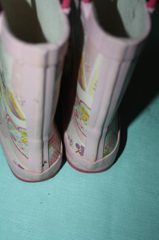 Резиновые сапожки принт принцессы р-8,р-25/26 в хорошем состоянии - Фото 3