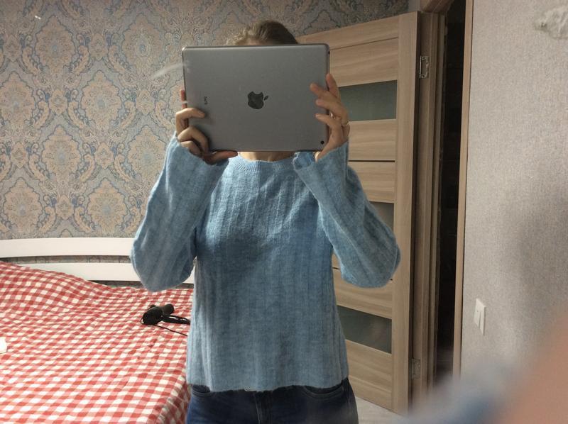 Большой выбор свитеров - теплый нежно голубой свитер 12% шерст... - Фото 3