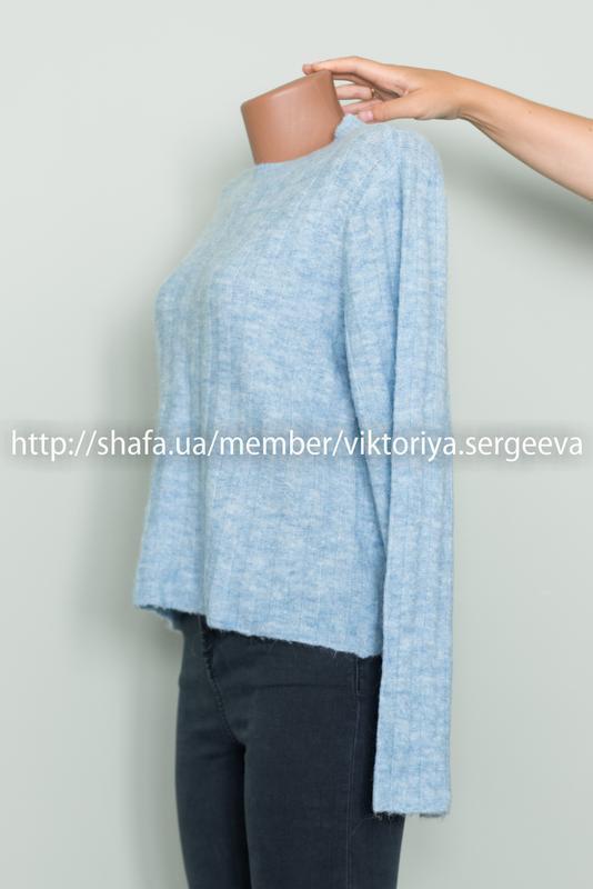 Большой выбор свитеров - теплый нежно голубой свитер 12% шерст... - Фото 5