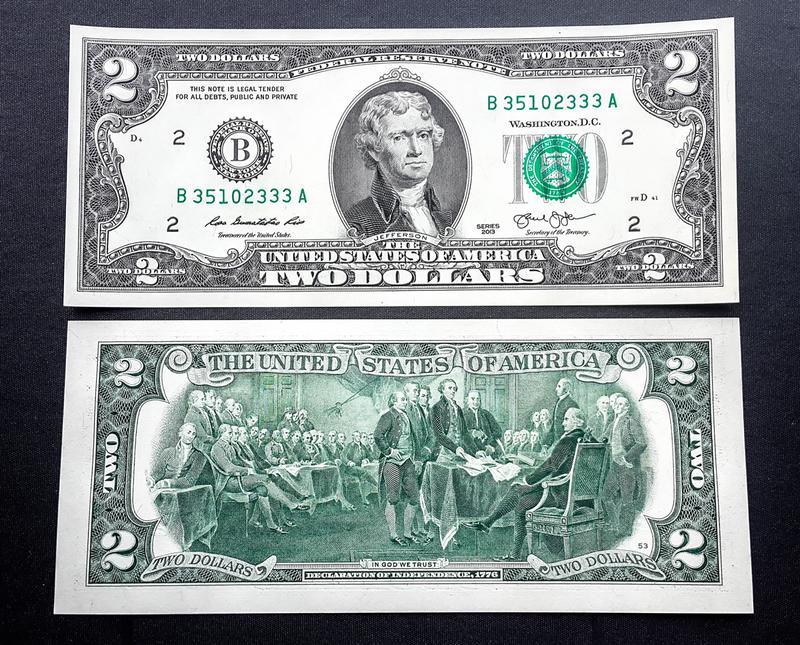 Банкнота  2 доллара США из банковской упаковки