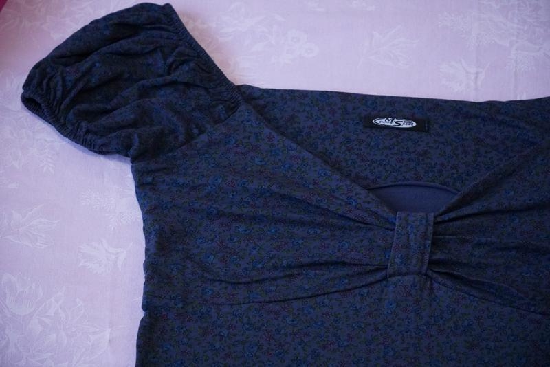 Платье темно синее с цветочным принтом - Фото 5