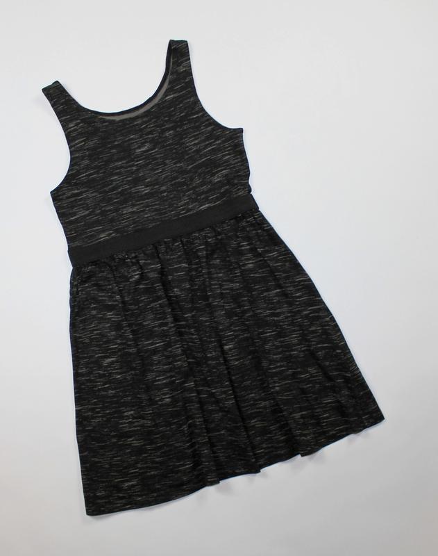 Платье h&m на 8-10 лет, рост 134-140 см