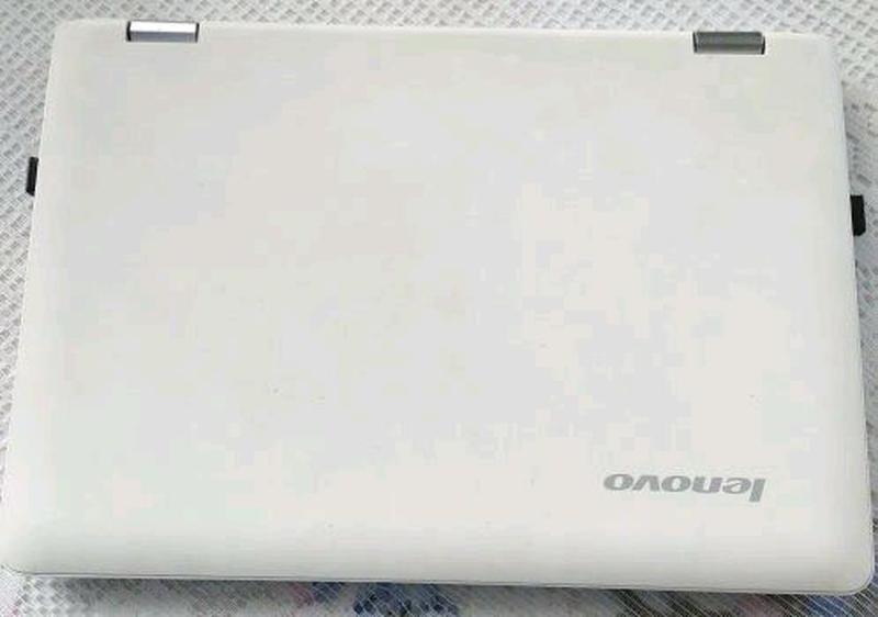 Продам рабочий ноутбук Lenovo Yoga 300