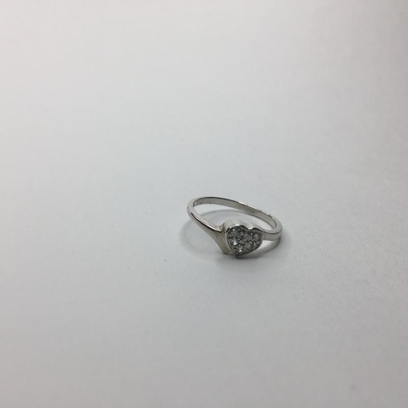 Серебряное шикарное кольцо с камнями в форме сердца 925 проба