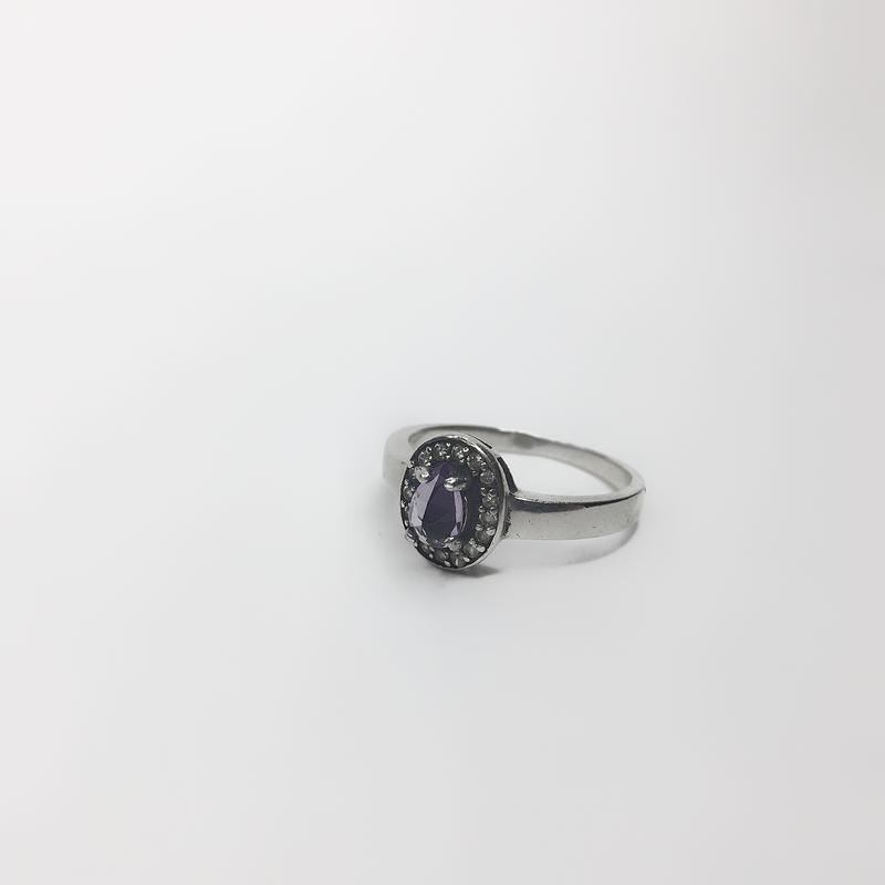 Серебряное кольцо с фиолетовым камнем 925 проба