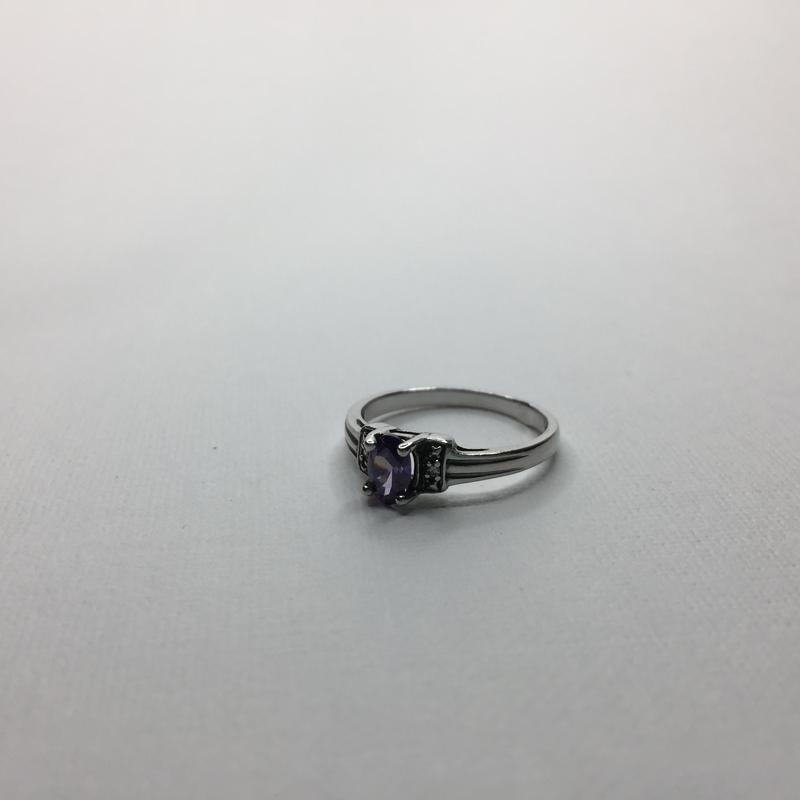 Серебряное оксидированное кольцо с фиолетовым камнем 925 проба