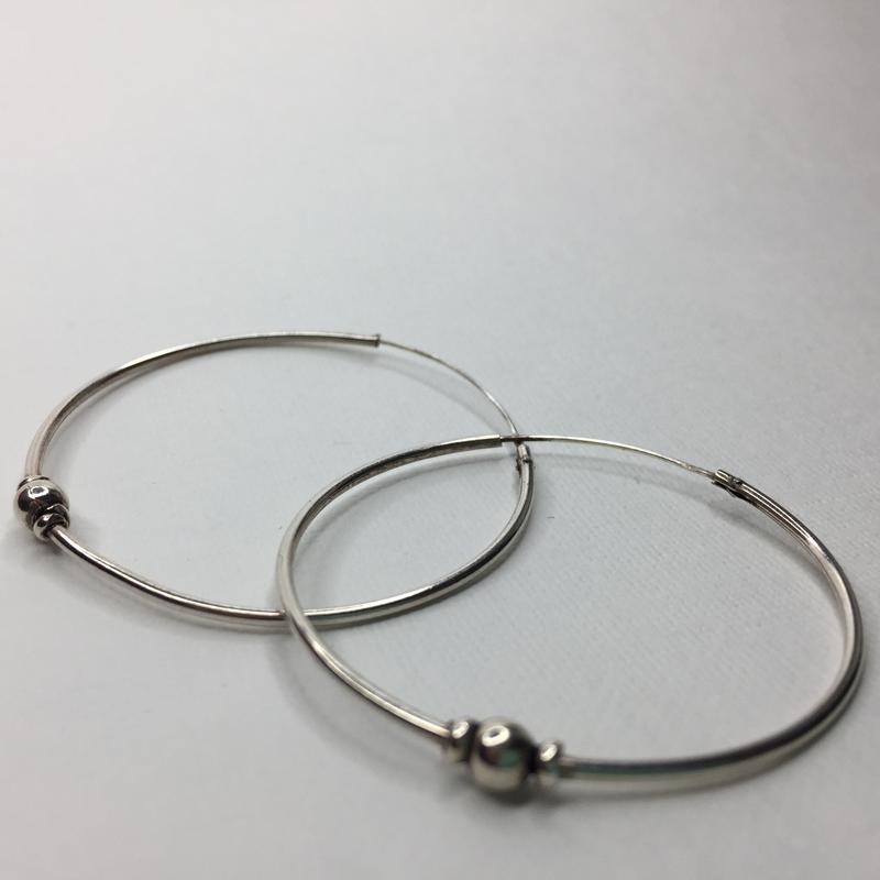 Серебряные тонкие оксидированные серьги круги 925 проба
