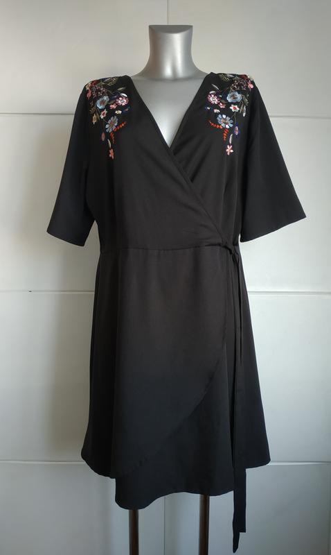 Красивое платье new look с вышивкой красивых цветов