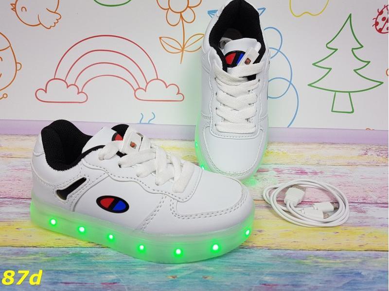 Новиночка детские кроссовки с подсветкой - Фото 2