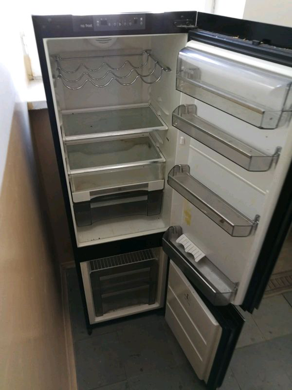Срочный ремонт холодильного оборудования любой сложности.