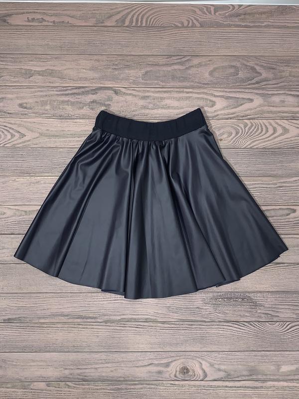 Синяя юбка из эко кожи для девочки 8-12 лет.