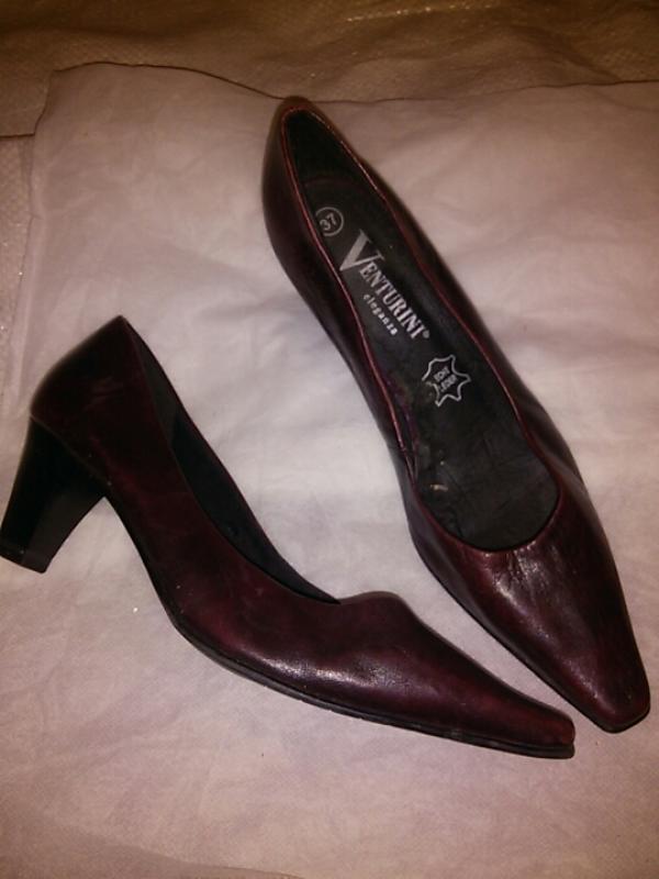 Кожанные туфли коричневого цвета ,  37 размер