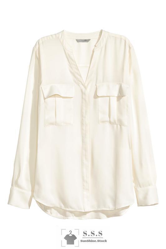 Классная блузка с вырезом и нагрудными карманамиh&m