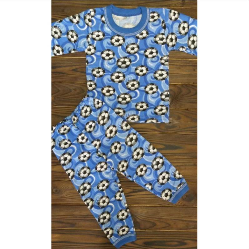 Детская пижама для мальчика с мячиками с начесом на 4-5 лет