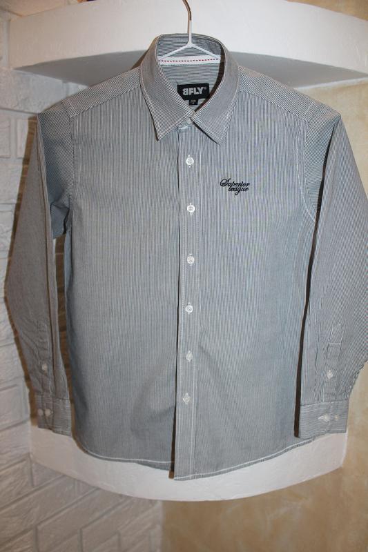 Серая рубашка в мелкую полоску 8  лет 128 см