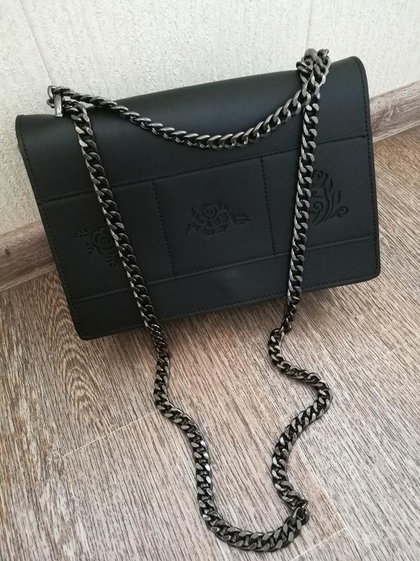 Каркасная сумка кроссбоди,клатч на цепочке
