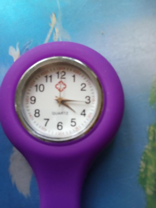 Часы на булавке