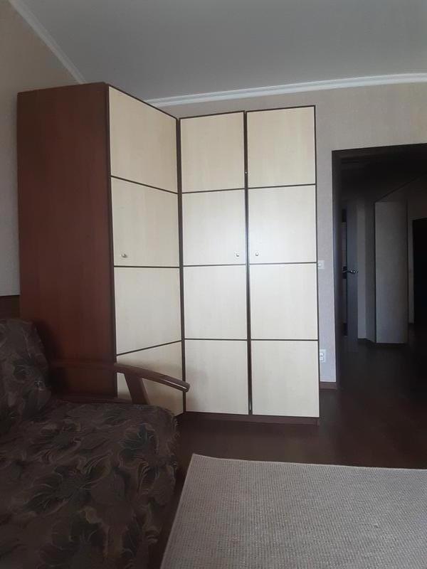 Угловой шкаф,пенал,шкаф и комод