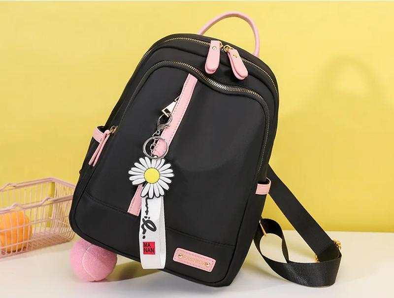 Рюкзак женский черный из нейлоновой ткани (без брелка ромашка) - Фото 4