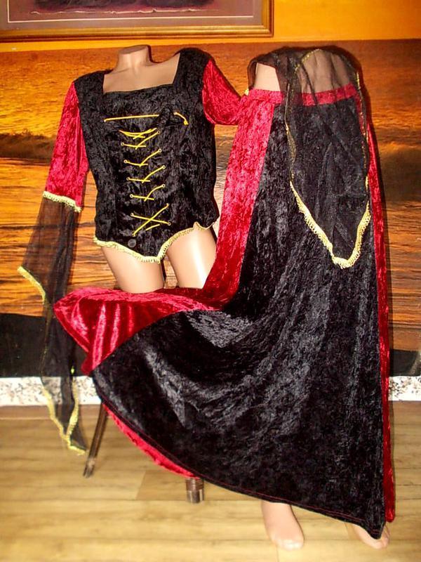 Роскошный маскарадный костюм 54 размера