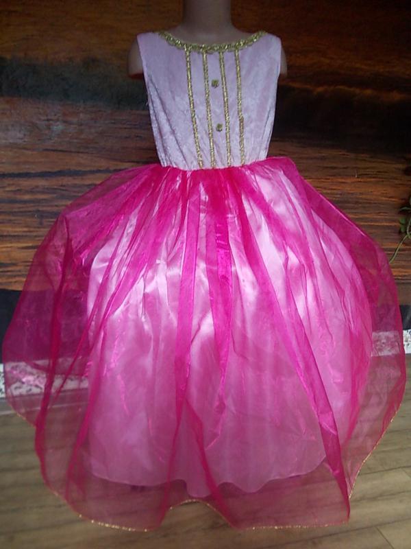 Платье для маскарада на 6-8 лет пышное красивое