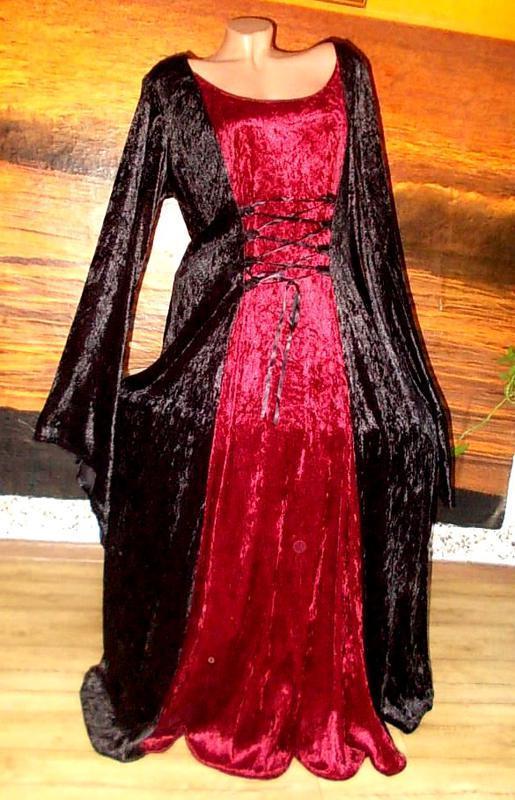 Красивое велюровое платье для пышной королевы 58-60размера