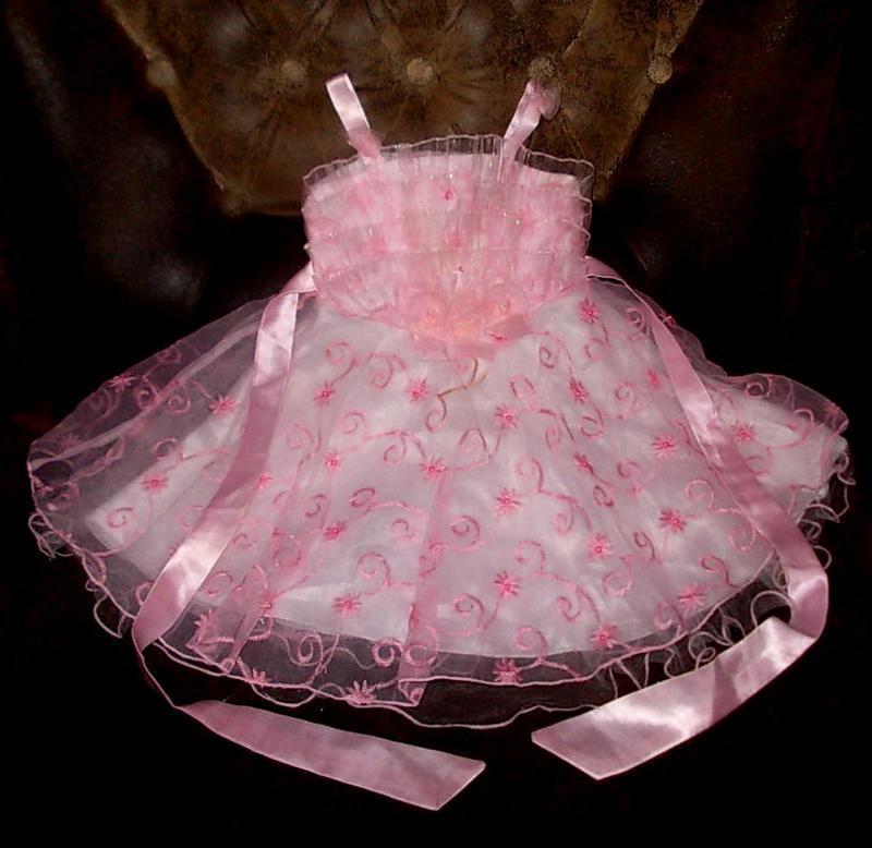 Очень красивое нарядное платье на рост 70см