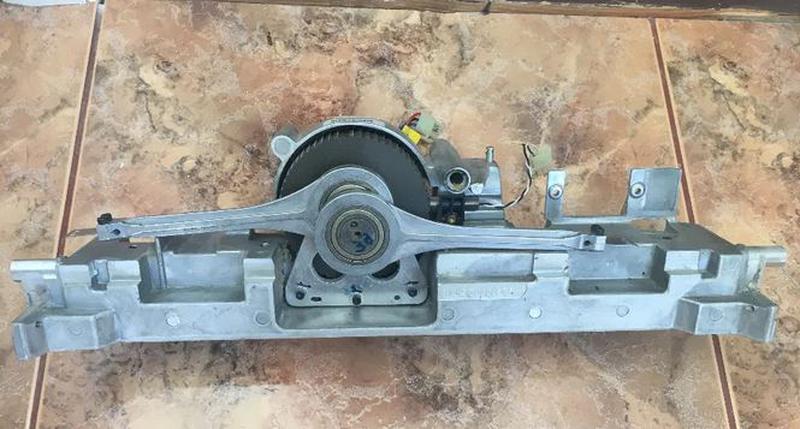 Пошаговый моторчик со статором и маховиком, от большого принтера