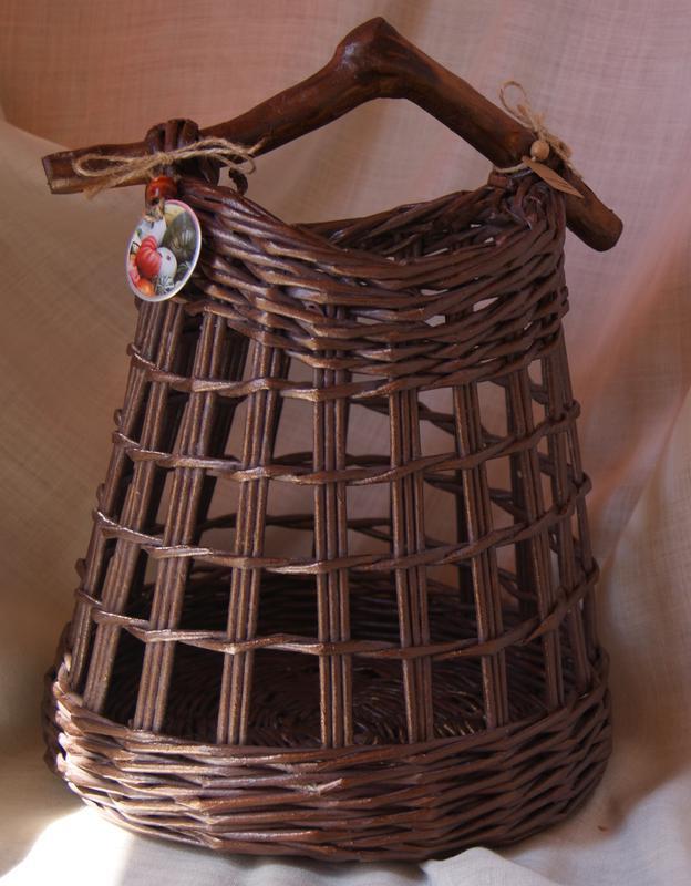 Ажурная плетеная корзина
