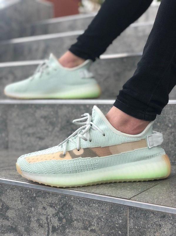 Крутые кроссовки ???? adidas yezzy 350v2 ????