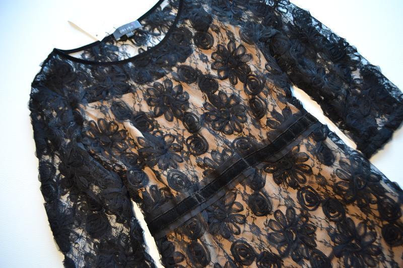 Роскошное черное платье миди с кружевными цветочными аппликациями - Фото 2