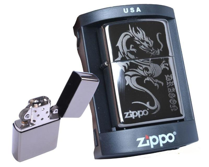 Зажигалка бензиновая Zippo (Silver Dragon)