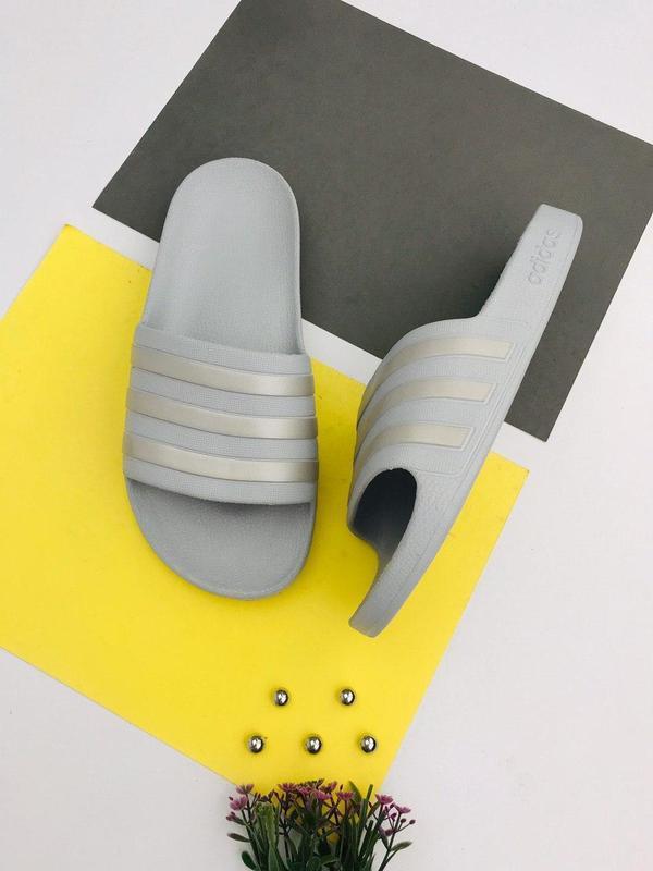 Оригинальные шлепанцы сланцы adidas