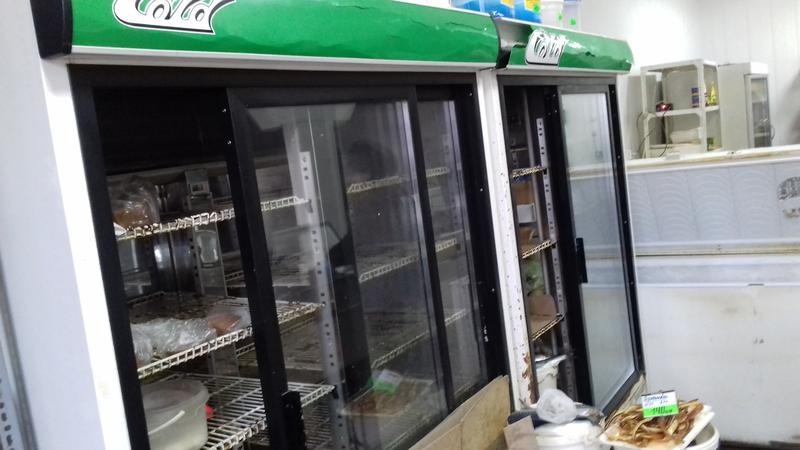 Холодильна шафа -вітрина б\у GOLD