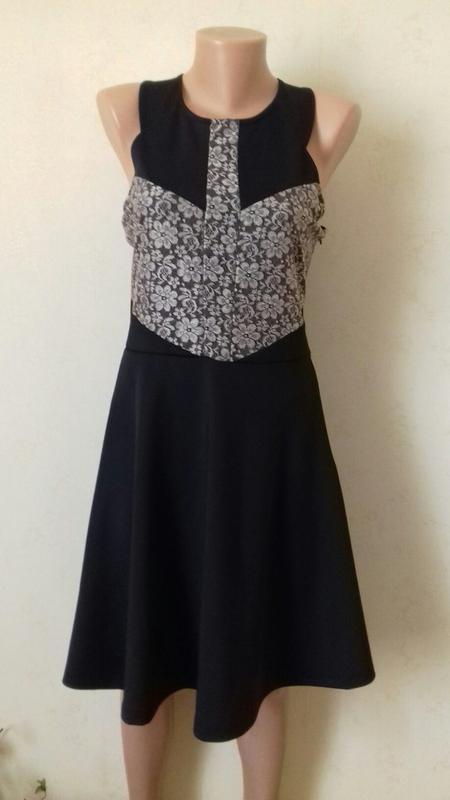 Новое платье с кружевом peacocks