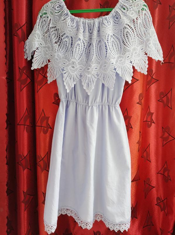 Платье с воланом кружево